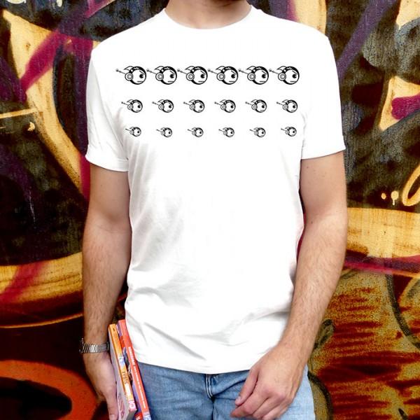 Weißes T-Shirt Robofisch 3er Reihe schwarz
